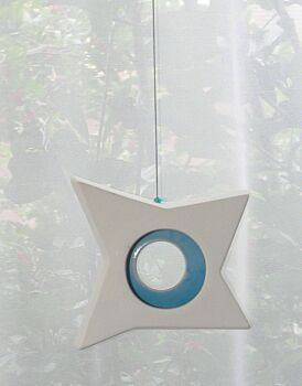 1 Boxed Hanging White Pottery Ceramic Outdoor Decoration Star Tealight Candle Holder - Blue Centre